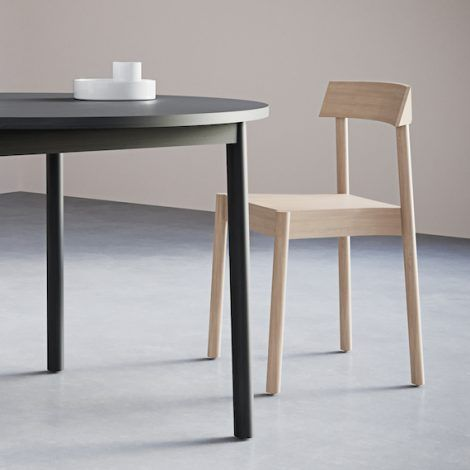 2-3. Round Table. Chairs&Objects 570