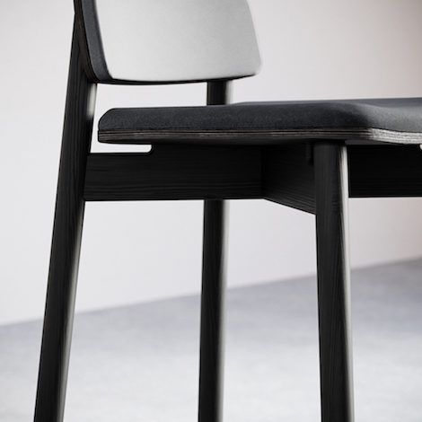 6-4.Jasny Bar Stool Upholstered - 470. Detail