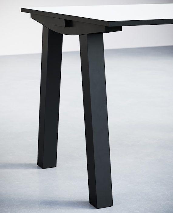 1-5.Dove Desk. Detail
